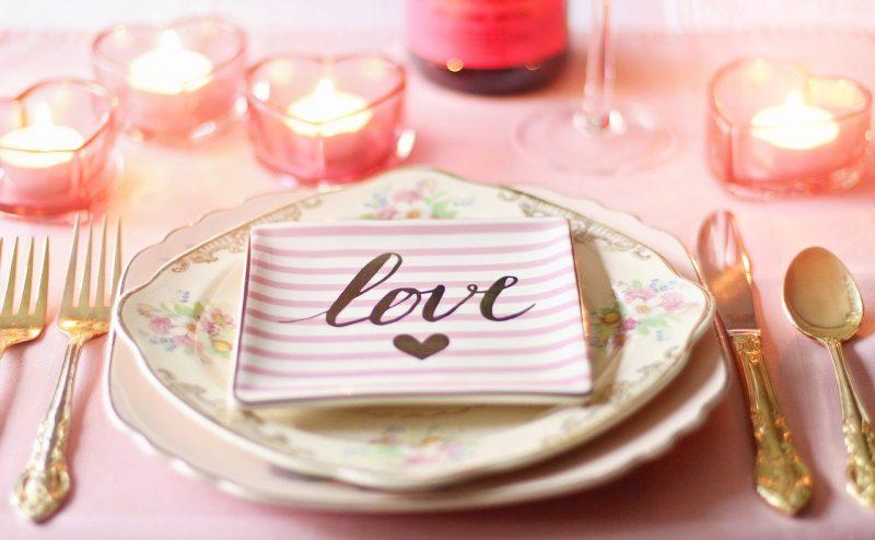 Déco table Saint Valentin 100% romantique